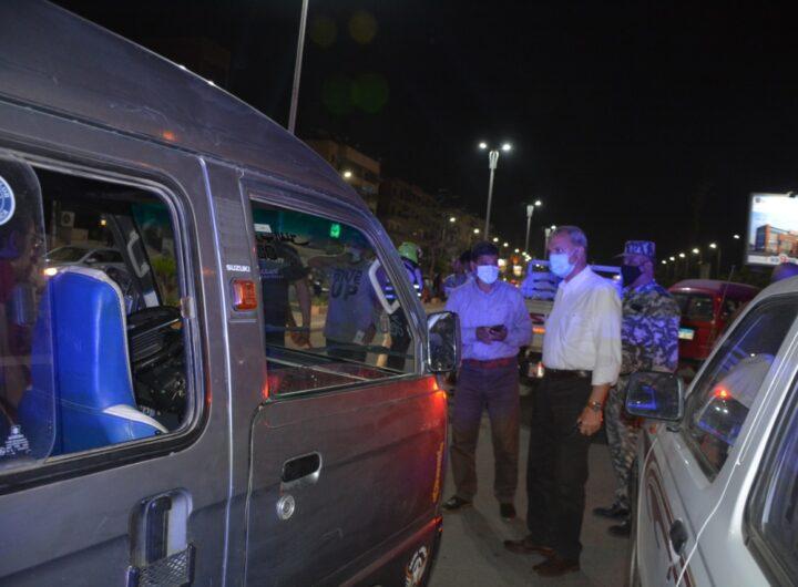 محافظ القليوبية : ضبط: 532 شيشة وتحرير 373 محضر عدم ارتداء كمامة و تحرير 125 محضر مخالفة قرارات الغلق وغلق 53 مقهي