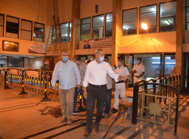 محافظ القليوبية يقود حملة تطهير وتعقيم الشوارع بمدينة بنها