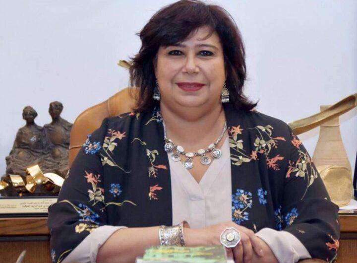 وزيرة الثقافة تطلع على استراتيجية عمل القومي للترجمة وتستعرض مشروعات التطوير