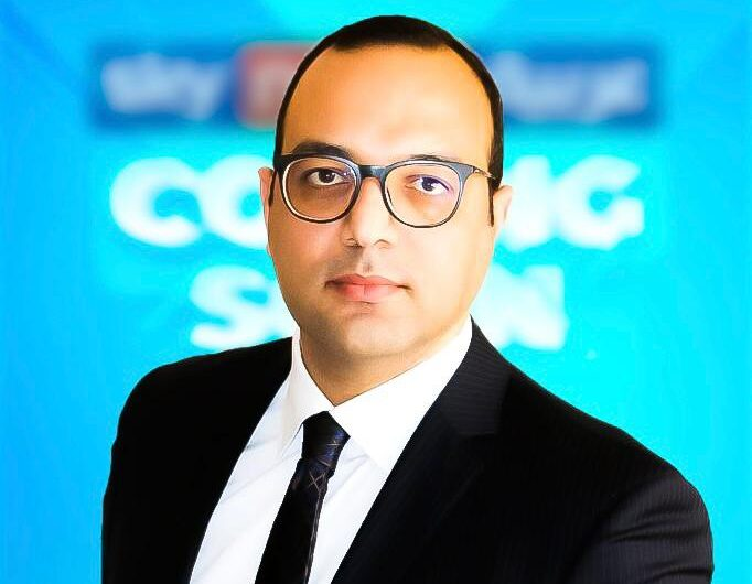 مصطفى مقلد يوضح التحديث التكنولوجي لتقنيه حكم الفيديو المساعد VAR